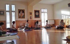 Lezione Yoga-torsioni-Centro-Yoga-San-Donato-Bologna